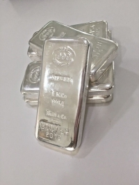 Americans and Canadians Face Silver Shortages As Investment Deficit Surges